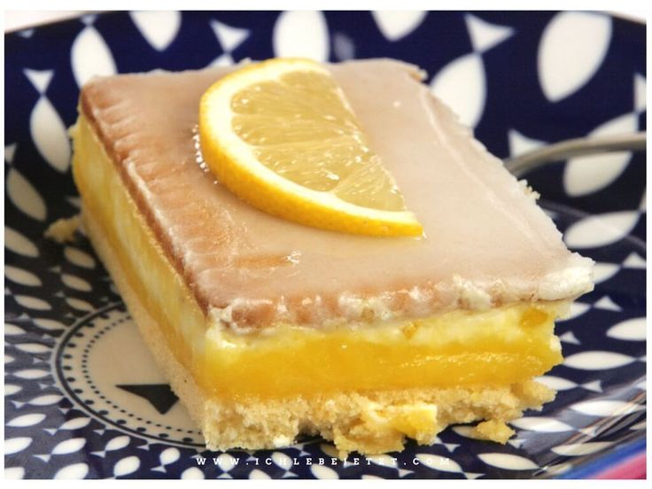 Geschichteter Zitronenkuchen: Bisquit, Sahne, Lemoncurd und Butterkekse: Lecker!
