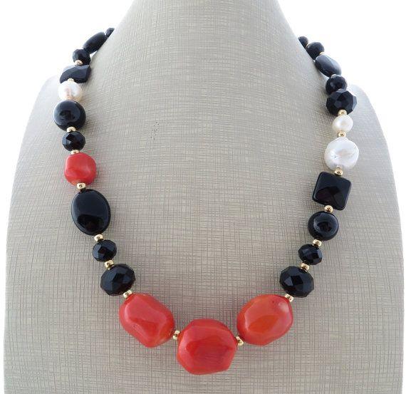 Nero collana di onice, arancia collana di corallo, collana, grande collana audace, collana di perline, multi pietra preziosa collana, gioielli italiani