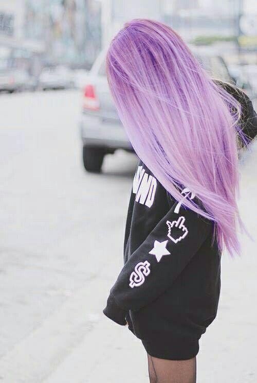 Ich liebe pastelle Haarfarben zur Zeit, vor allem lila