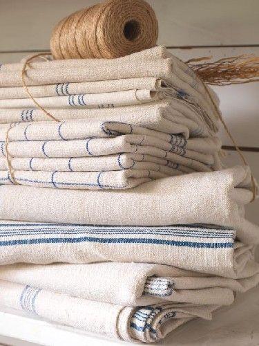 .: Vintage Kitchens Towels, Teas Towels, French Linens, Burlap Linens, Vintage Linens, Dishes Towels, Country Kitchens Blue White, Linens Lace, Vintage Blue Linens
