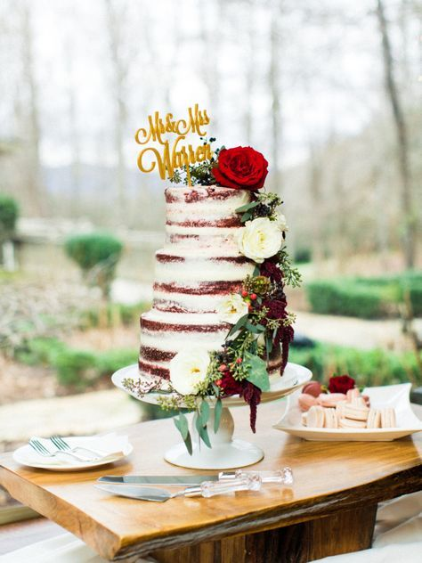 "Red velvet naked cake: <a href=""http://www.stylemepretty.com/little-black-book-blog/2016/03/08/intimate-winter-mountain-wedding/"" rel=""nofollow"" target=""_blank"">www.stylemepretty...</a> 