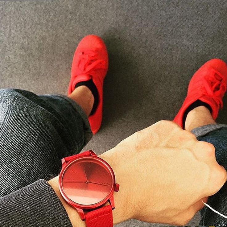 Casual vibes with Winston Heritage Monotone Red.