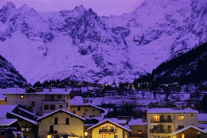 Courmayeur, Italy - Italian Alps. On my to-do list.