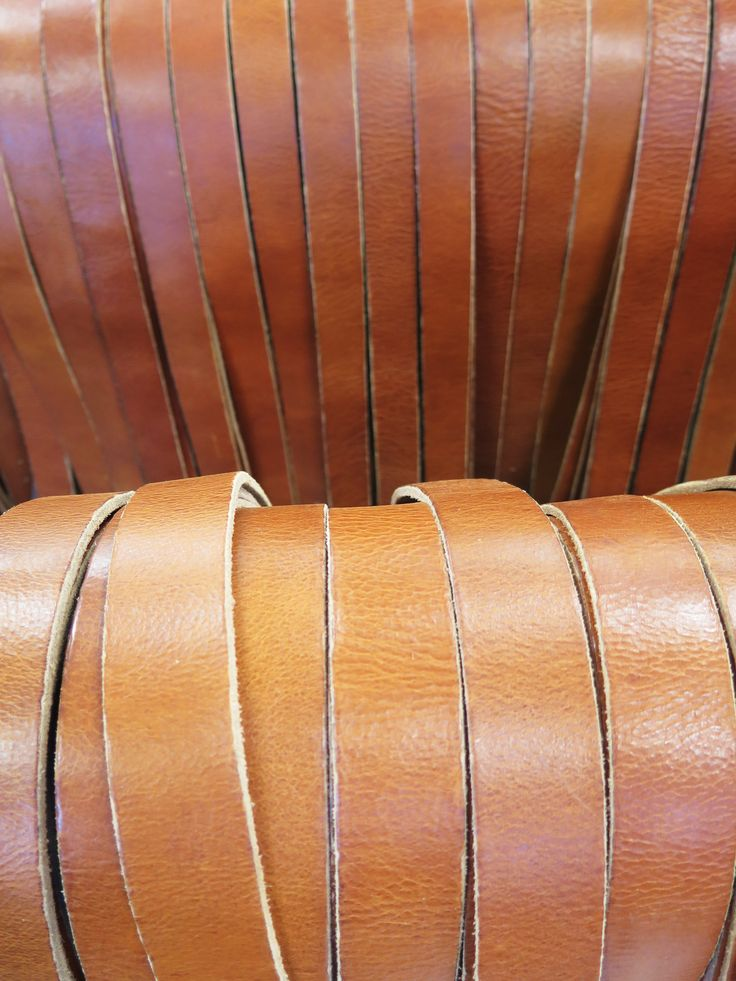 Cowboysbelt - Rows of belts