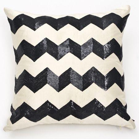 : Black Style, Sequins Chevron, Sequins Pillows, Pillows Patterns, Chevron Pillows, Black White, Deco Pillows, Art Deco, Chevron Stripes