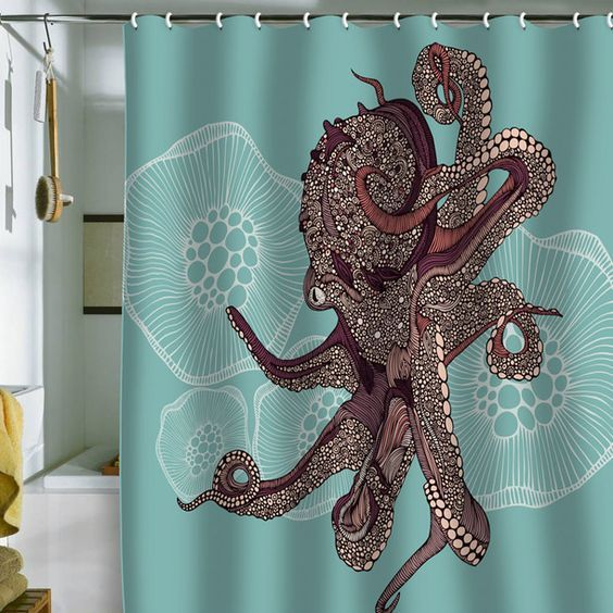 Optez pour un rideau de douche original !  http://www.homelisty.com/idees-originales-salle-de-bains/