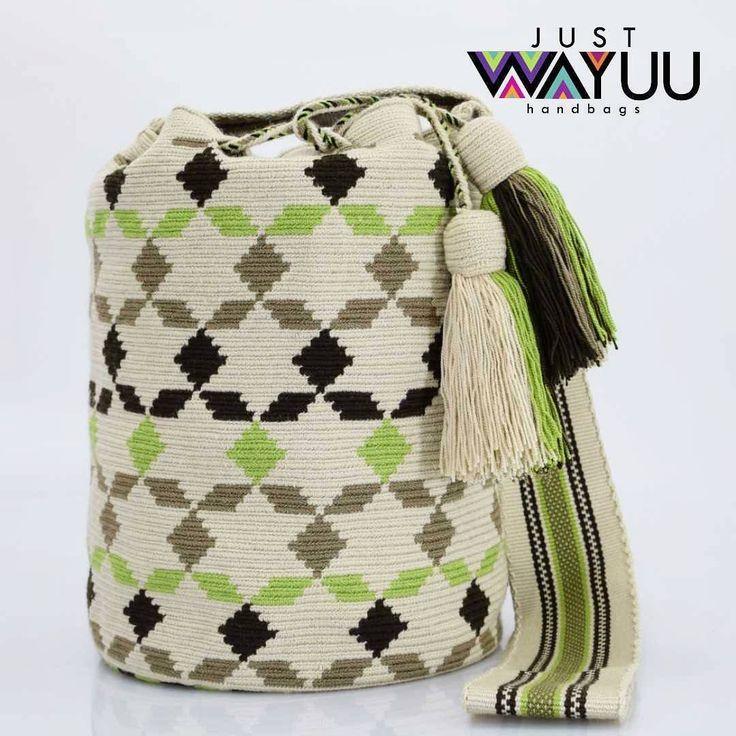 247 отметок «Нравится», 2 комментариев — Just Wayuu (@just.wayuu) в Instagram: «Handcrafted handbags made by indigenous wayuu in the north of Colombia. Worldwide shipping – envíos…»