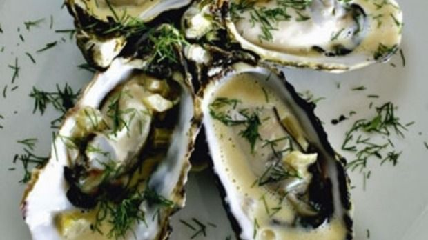 Steamed oysters with fennel