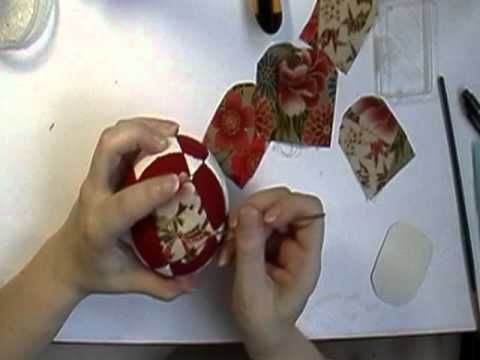 Quilted Christmas Ornament (No Sew) | Folded Fabric Balls | Estructura plegada bolas de Navidad - YouTube