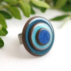 """Bague réglable en céramique collection """"les confettis"""" trio bleu"""