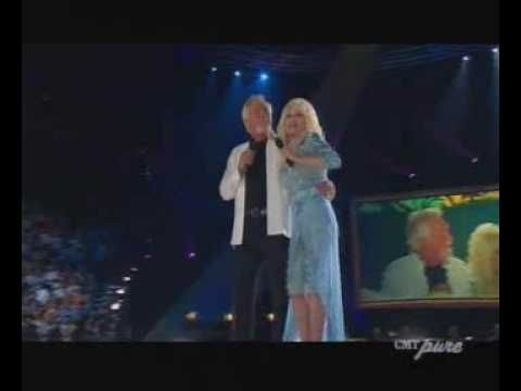 """Dolly Parton & Kenny Rogers """"Islands in the Stream"""""""