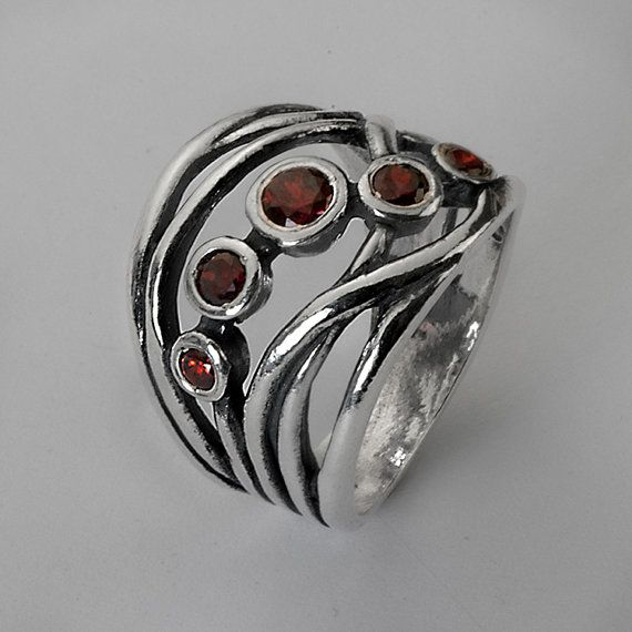 Sterling Silver Red Garnet Stacking Ring                              …                                                                                                                                                                                 Más