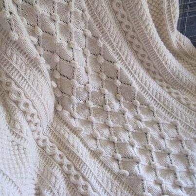 Knitting Afghan Patterns Pinterest : Diamonds and Baubles afghan. Beautiful! Free pattern ...