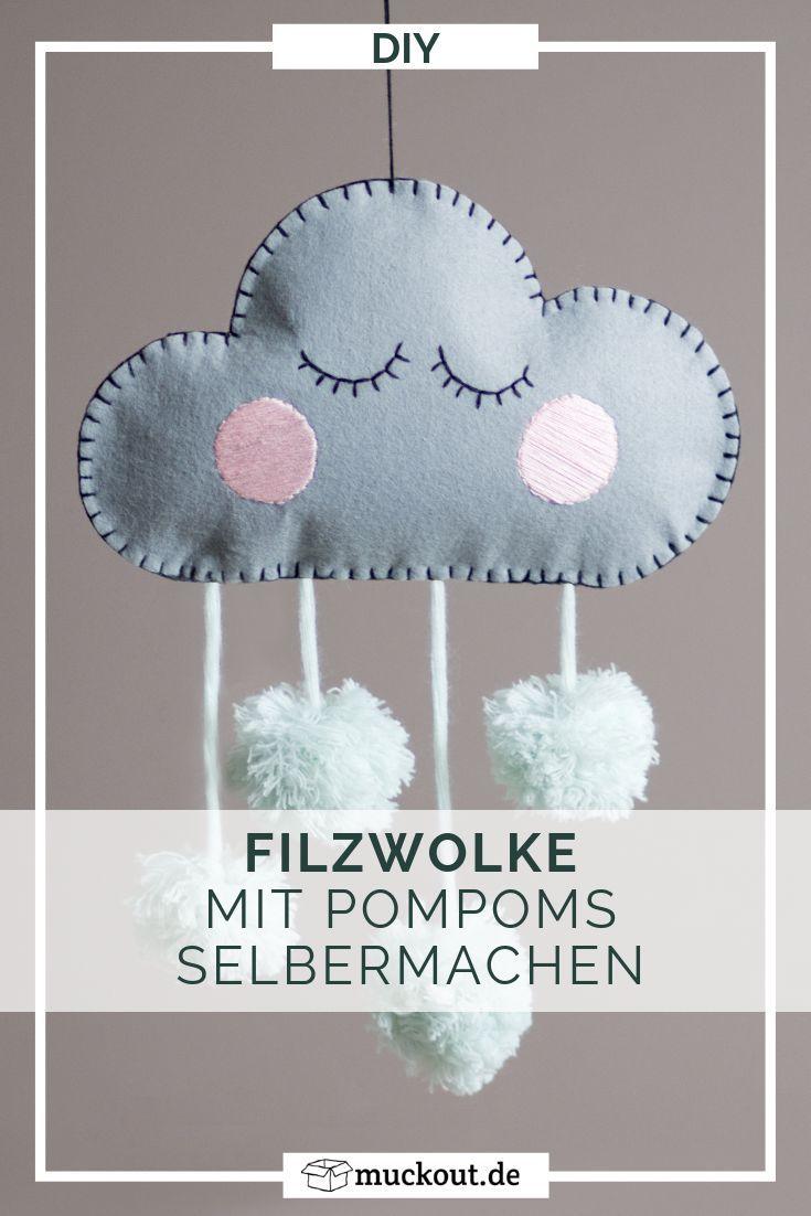 DIY-Deko fürs Kinderzimmer: Filzwolke mit Pompoms