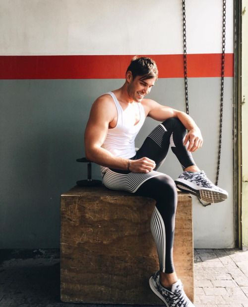 345 Best Men In Sports Images On Pinterest: 375 Best Images About How Guys Should Wear Their Tights