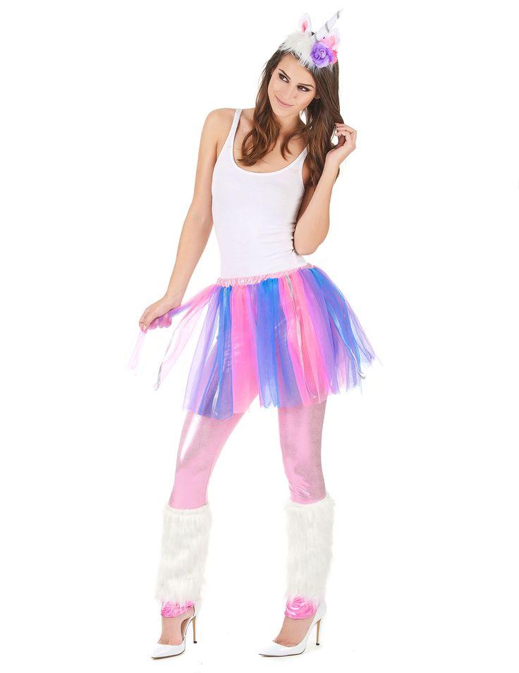 Disfraz de unicornio multicolor mujer: Este disfraz de unicornio para mujer incluye legging, tutú, diadema y calentadores (camiseta, zapatos y peluca no incluidos).El tutú es de tul multicolor con cintas plateadas. La...