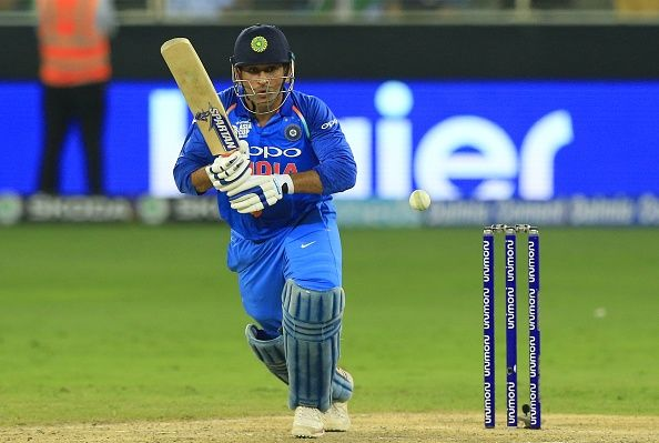 Ms Dhoni Should Play The World Cup As He Takes Loads Off Virat Kohli Sunil Gavaskar Cricket Teams Sunil Gavaskar Cricket