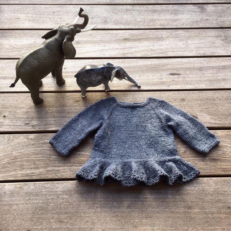 Så blev opskriften på Agnesblusen klar! www.knittingforolive.dk #jentestrikk #knitting_inspiration #knittingforolivesrecycledcotton #knittingforolive