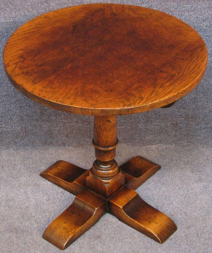 Titchmarsh & Goodwin Solid Oak Circular Occasional / Side / Pillar Table RL28