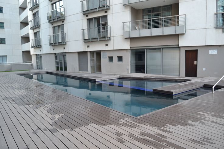 Icon- Pool deck