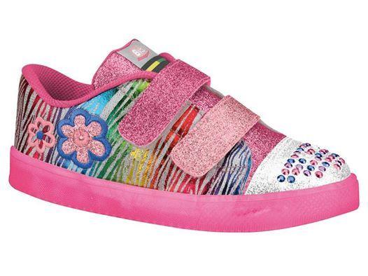 Se combinarmos cor, flores e muito brilho, qual o resultado? Esse Bibi apaixonante!  Link dele na loja http://purezababy.com.br/tenis-bibi-high-light-estampado-glitter.html