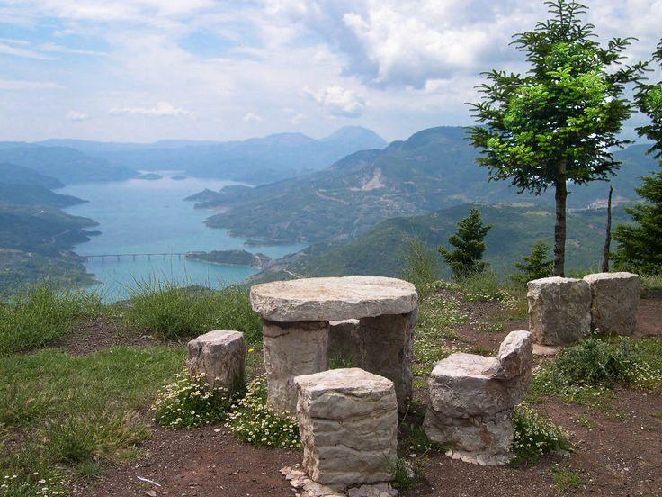 Η θέα στη λίμνη Κρεμαστών από τη θέση Τσαγκαράλωνα, κοντά στα Φιδάκια! http://diakopes.in.gr/the-experts-way-blog/article/?aid=209916  #ταξίδι #ευρυτανία #ελλάδα #travel #greece