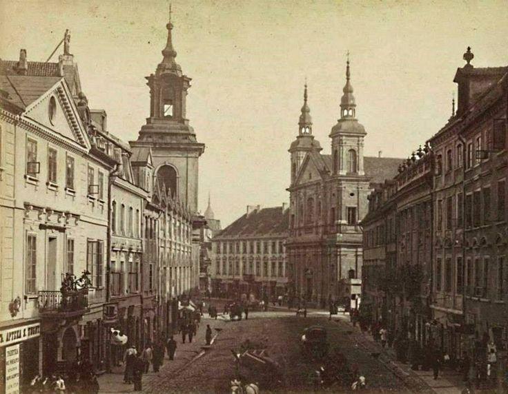 Ulica Freta. Po lewej stronie – kościół Dominikanów pw. św. Jacka. Dalej – kościół św. Ducha.