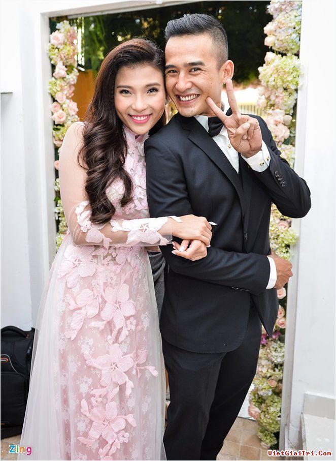 Comparision between vietnam and uk wedding