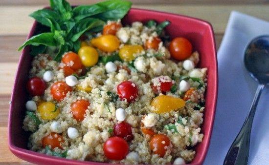 Caprese Quinoa Salad: Quinoa Recipe, Caprese Quinoa, Quinoa Capr, Quinoa Salada, Capr Salad, Salad Looks Yummy, Quiona Salad, Capri Quinoa, Capr Quinoa Salad