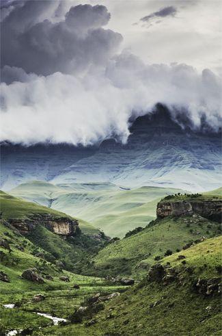 The low mist hides the dangers of the escarpment. (Credit: Getty images)