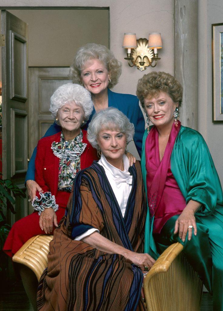 作品名: The Golden Girls/ザ·ゴールデン·ガールズ シーズン:1-7 作品類別:欧米ドラマ ディスク枚数:21枚組(TV全) 監督: スーザン・ハリス 出演/声の出演: ベティ·ホワイト、ベアトリス·アーサー、エステル・ゲティ 公開日: 1985 形式:Color, Dolby フォーマット: NTSCとPAL両方 仕様:新品 重さ:1.3Kg 音声:Dolby Digital 5.1 - 英語音声・英語字幕 字幕:取り外し可能 リージョンコード:リージョンオール(すべての国で再生可能)