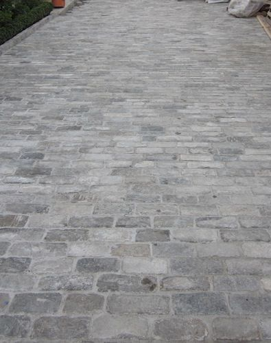 Historical Bricks : Antique Granite Cobblestones