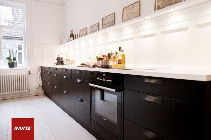 Helenes nye køkken blev et athena i sort eg med gennemgående ...