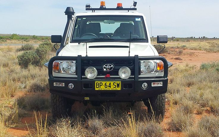 Toyota 70 Series V8 Landcruiser Outback Deluxe Bull Bar Steel (Non Flared) | TJM Australia | 4x4 Accessories