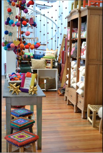 my dream is to have a yarn store/coffee shop....and I am very close to get it!