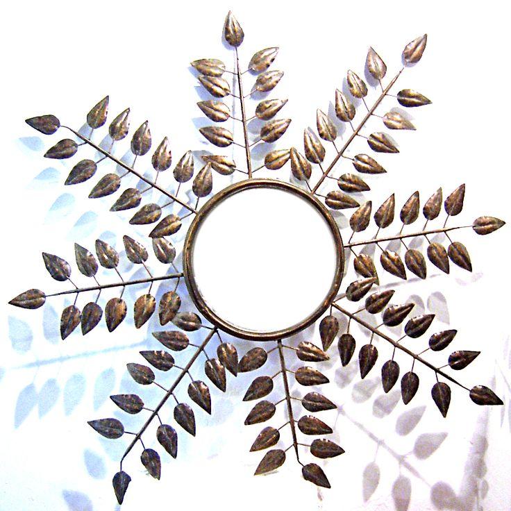 Espejo realizado en forja de color marrón cobrizo con forma de ramas con hojas. Tamaño aprox.: 95 cm - See more at: http://www.princesslarashop.com/tienda.php?dir=100&pg=1#sthash.hGAV2oR5.dpuf