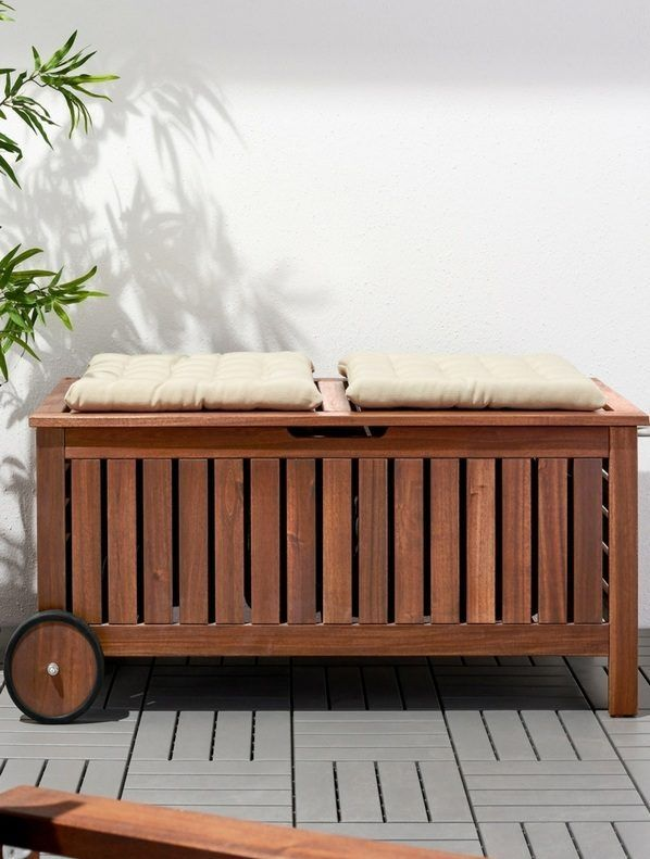 Petit Balcon 72 Idees Deco Amenagement Homelisty In 2020 Outdoor Storage Bench Bench With Storage Storage Bench