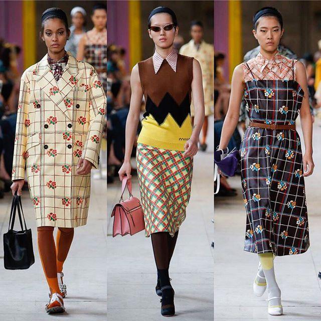Back to school: wool top@and midi skirts at @miumiu SS18. Swipe / Клетчатые юбки-миди и пальто в цветочек шерстяные топы и кардиганы цветные гетры и воротнички: весь арсенал современной школьницы на показе Miu Miu. Листайте  и ищите все образы на Vogue.ru via VOGUE RUSSIA MAGAZINE OFFICIAL INSTAGRAM - Fashion Campaigns  Haute Couture  Advertising  Editorial Photography  Magazine Cover Designs  Supermodels  Runway Models