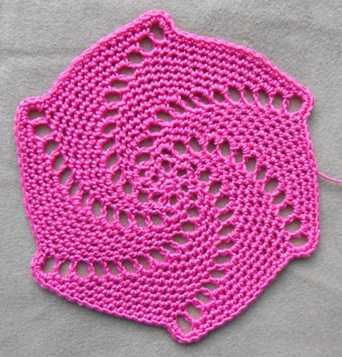 Lace spiral crochet coaster pattern instructions.