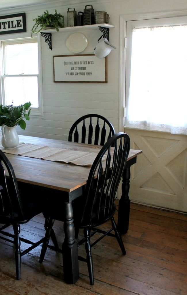 Farmhouse Kitchen Table And Black Painted Chairs Www Knickoftime