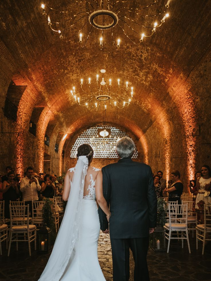 Hotel Hacienda Vista Hermosa wedding in Tequesquitengo Mexico; Photography by Joel and Justyna Bedford; wedding ceremony photography;
