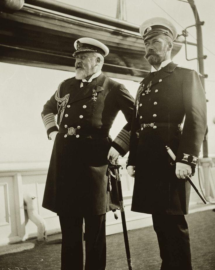 Tsar Nicholas II and King Edward VII. Late 1900s Courtesy of the RCT