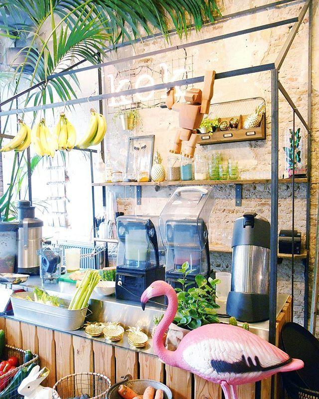 Tropical juicebar at Kek in Delft, Holland