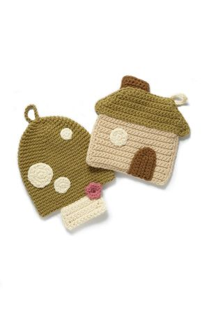 I would like to have a red and white toadstool potholder.   I wish that I could read a crochet pattern.