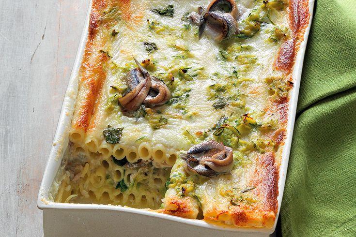 Pasticcio di pasta, mozzarella e alici