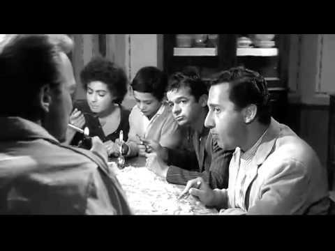 Tutti a casa, regia di Luigi Comencini, 1960. Alberto Sordi, Serge Reggiani, Martin Balsam.