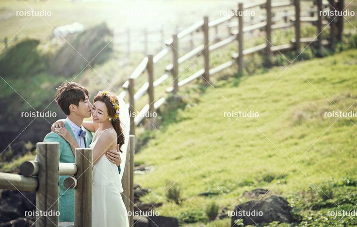 Jeju Island Korean Wedding Photography - Summer by Roi Studio on OneThreeOneFour 0