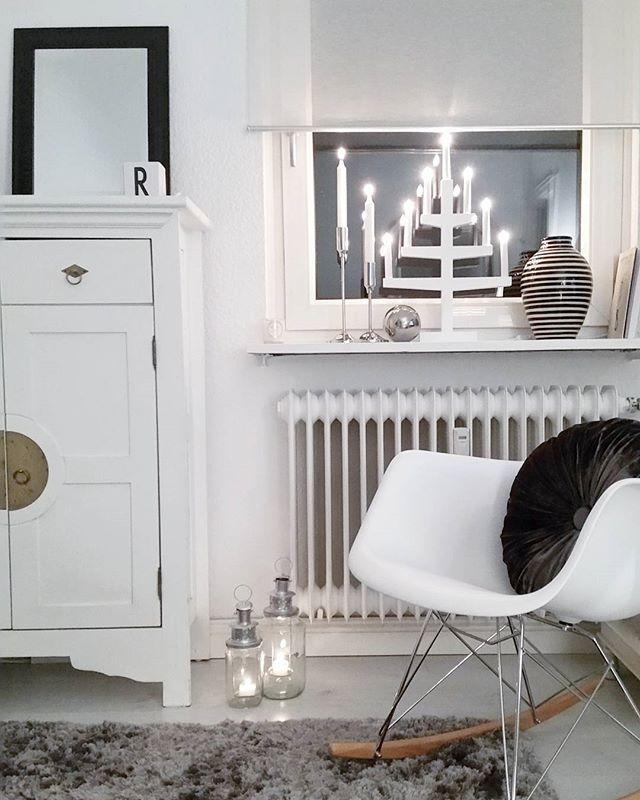 HOUSE Of IDEAS Blacku0026white, White Interior, Advent, Wihnachten, Eames,  Schaukelstuhl,