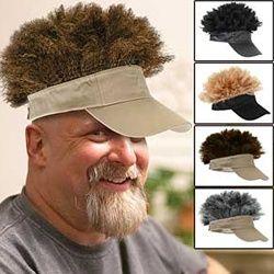 Visière avec cheveux intégrés!