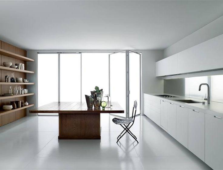 Boffi cucine. Lineare essenziale. Contrasto legno scuro e materico. Idee Case Canuto